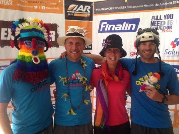 Team Adidas Terrex przyjmuje lokalny kamuflaż. Drugi od lewej to Nick Gracie. Foto Profil FB Team Adidas Terrex