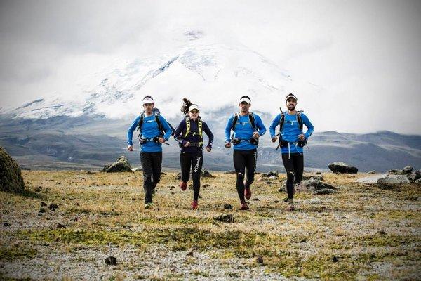 Ekipa Vidaraid pod Cotopaxi - w okolicach wulkanu bawiła większośc zespołów z czołówki. Foto. Profil FB Vidaraid