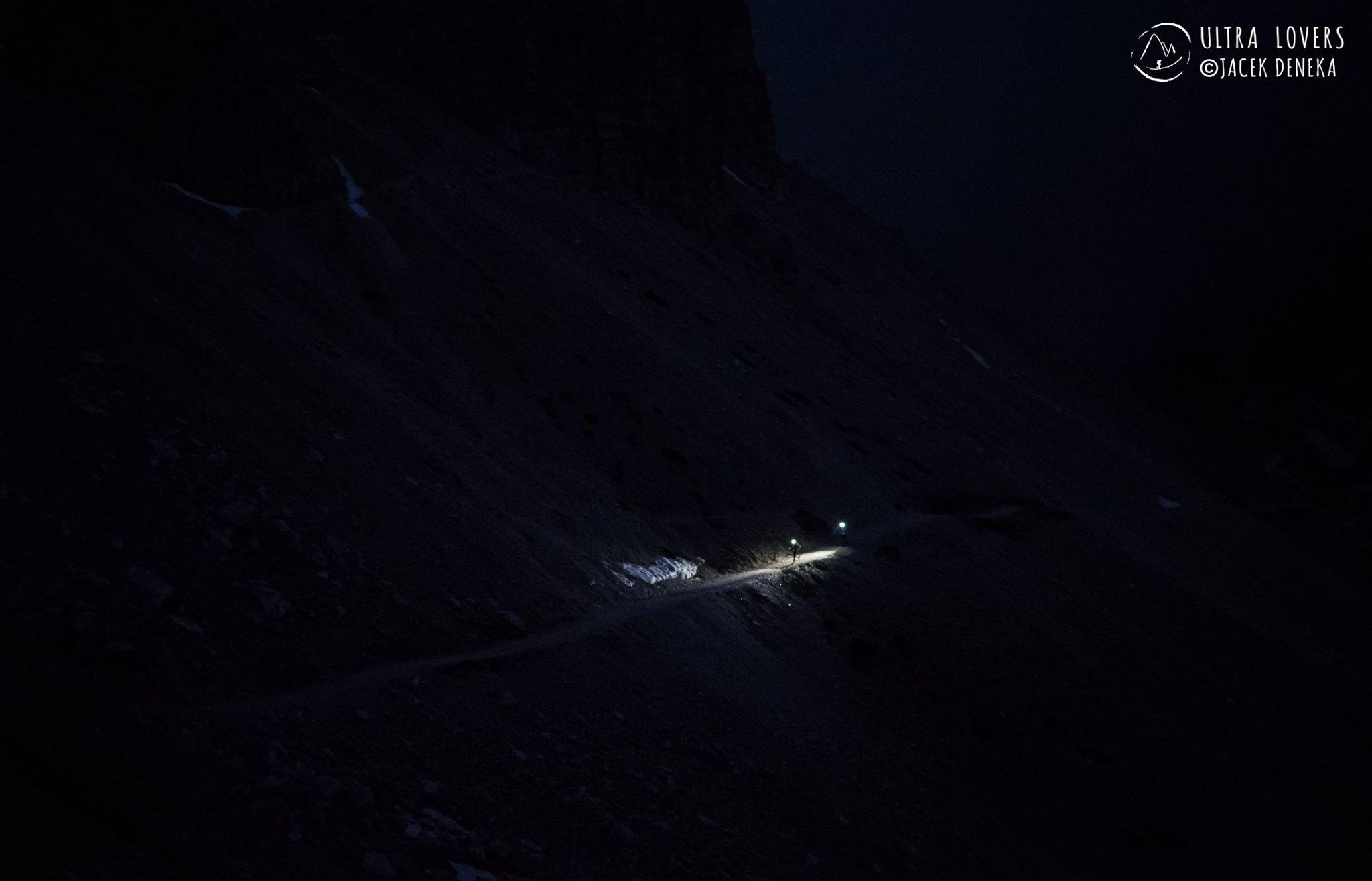Noc na Lavaredo Ultra Trail. Fot. Ultralovers/ Jacek Deneka