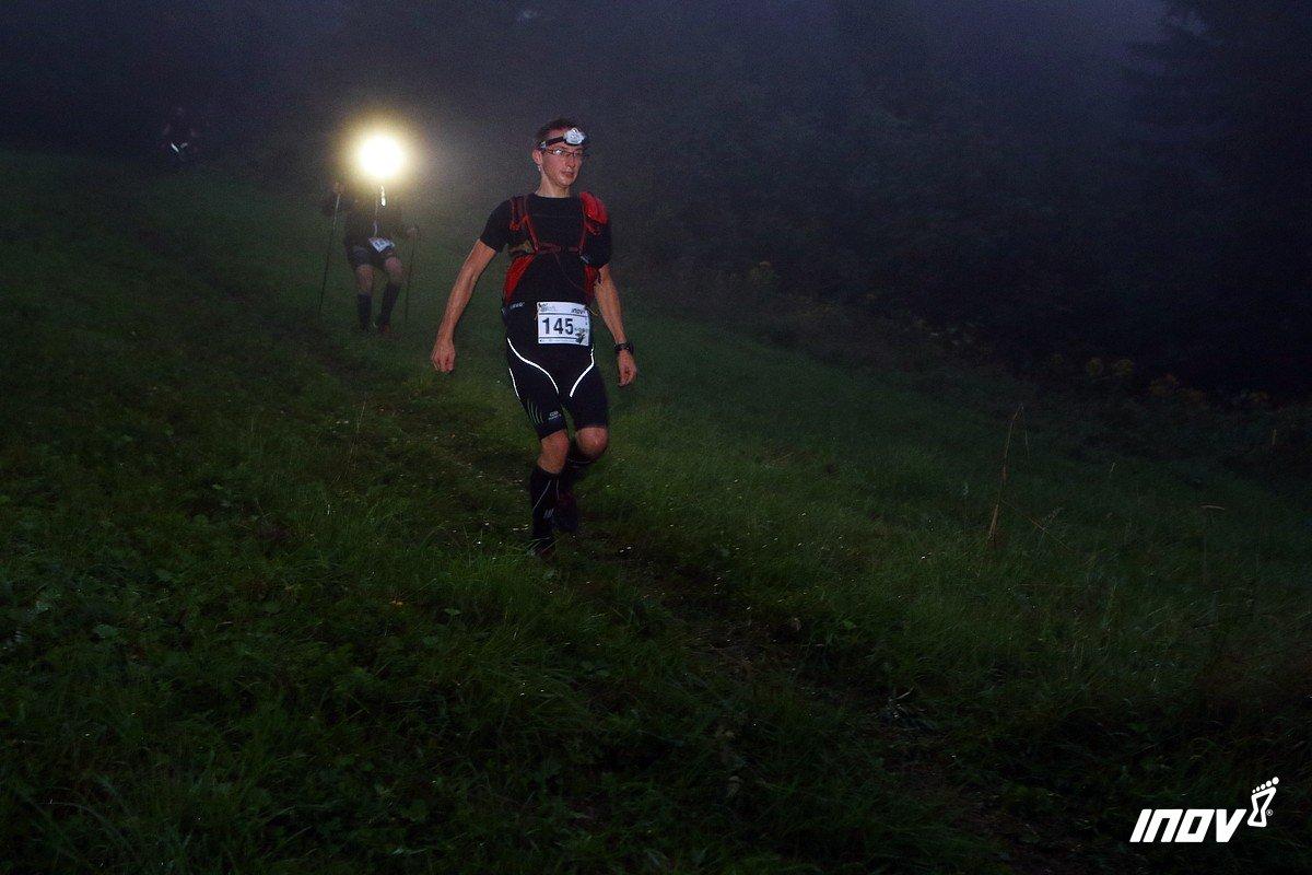 Zbieg z Rachowca jeszcze w mroku. Fot. Fotomaraton.pl