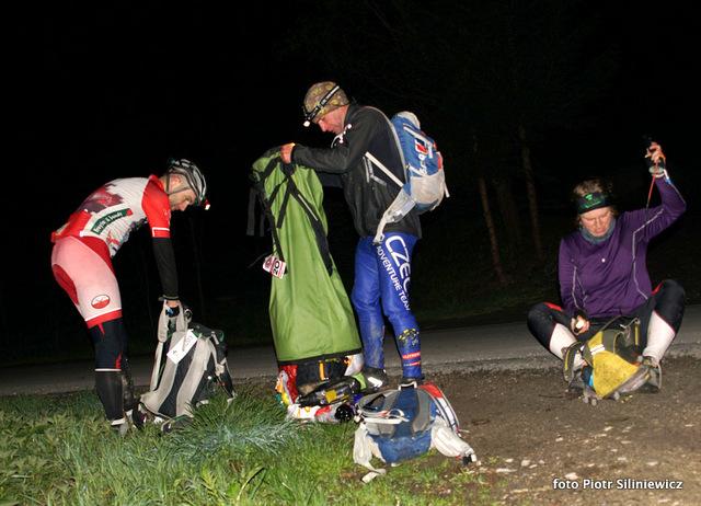 Czech Adventure Team szykuje się na nocną orientację
